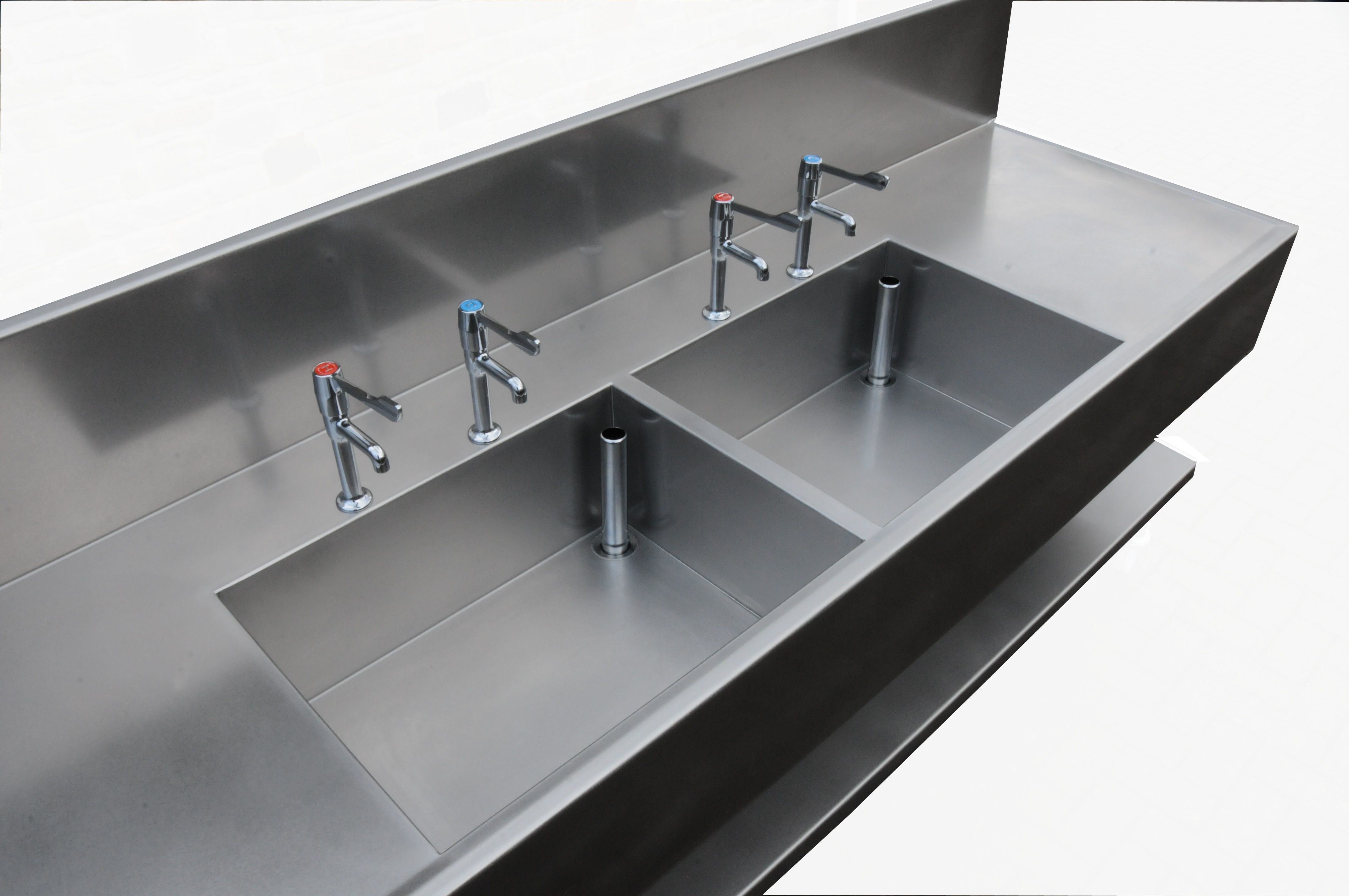 Manual Decontamination Sinks For Sterile Services Neocare