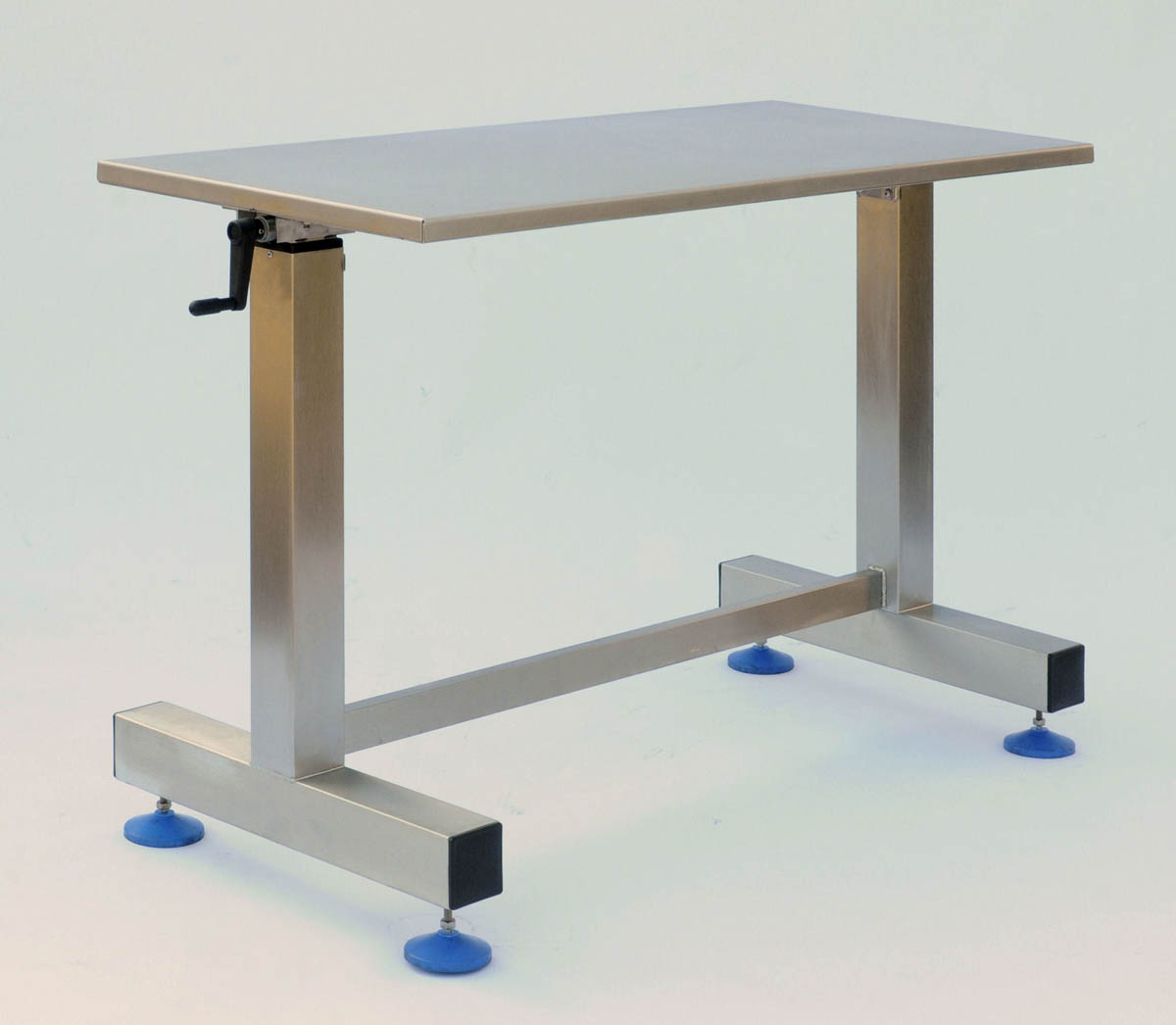 100 Packing Benches 184 Best A Piece Of Rainbow Diy  : Height adjustable Packing table from 45.32.79.15 size 1200 x 1046 jpeg 81kB