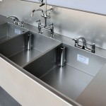 Triple bowl wash sink for SSD tap and bowl detail